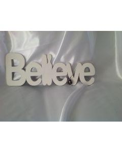 Houten tekst Believe