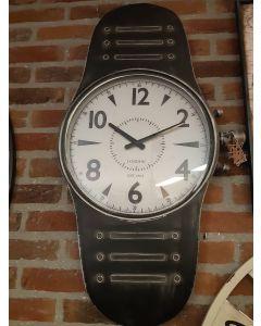 Exclusieve  klok,  in de vorm van een horloge