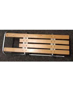 Slee met houten zit