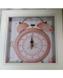 WandKlokje  wit/roze vierkant